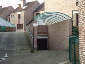 Ruime afgesloten garages nr. 48 gelegen op 100 meter van de kleine ring in een ondergrondse parking aan het Woutersplein. De garages hebben een afmeti