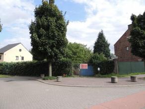 Prachtig gelegen bouwgrond (HOB) - Rustig gelegen. Half open bebouwing (Lot 3/1), oppervlakte van 5 A, façade:  12 m, diepte: 40,30 m , West ge