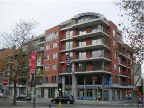 Mooi nieuwbouw appartement gelegen op de 3de verdieping. Centrale ligging op de Thonissenlaan. Het appartement is luxueus afgewerkt. Indeling: ruime i