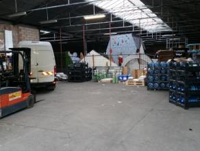 Opslagruimte van 530 m² nabij Genk centrum. Deze 530 m² opslagruimte-magazijn maakt deel uit van een groter complex en is rustig gelegen aan