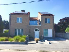 Residentieel en rustig gelegen open bebouwing op een perceel van 19a45ca te Zoutleeuw. Deze woning met een bewoonbare oppervlakte van ca. 240 m²