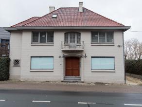 Dit pand op een perceel van 3a35ca is gelegen midden in het centrum van Bilzen op de Wijerstraat 50.<br /> Alle faciliteiten zoals winkels, school, op