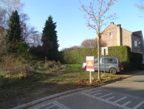 Deze bouwgrond vinden we terug in de Lieve Vrouwestraat te Waterschei. U zoekt een half open bebouwing op een centrale en rustige ligging? Dan bent u