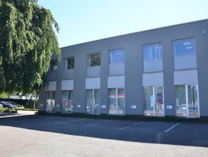 Goed gelegen, instapklaar kantoorgebouw.<br /> Zeer centrale ligging waardoor vlotte bereikbaarheid en vlakbij E313.  <br /> Ruime parkeergelegenheid