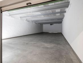 TE HUUR - Opslagruimte op een beveiligde site in Heusden-Zolder. Er zijn boxen beschikbaar van 1 tot 180m2. <br /> <br /> Deze opslagruimte  (180m2 -
