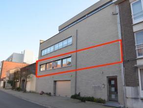 Dit ruime appartement is rustig gelegen op de Bosstraat binnen de Grote Ring. <br /> <br /> Kleinschalige residentie met slechts 3 appartementen. <br
