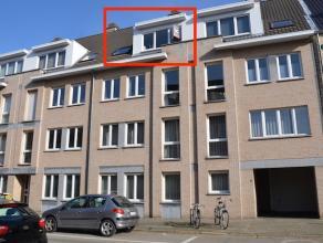 Kwalitatief afgewerkt, instapklaar appartement met 2 slaapkamers, extra bergruimte, privé-parking en kelderberging gelegen in Residentie Castel