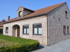 Zeer verzorgde en ruime woning in open bebouwing op een perceel van 11are. <br /> Centrale ligging in St-Lambrechts-Herk. <br /> <br /> Gezien de ruim