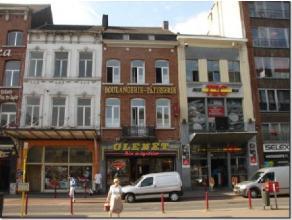 A VENDRE A Namur Gare situation commerciale d'exception, multiples possibilités de développement ou reprise du commerce existant. Tr&egr