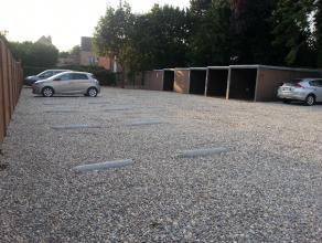 Te huur in Zolder - Centrum:<br /> Afsluitbare garagebox of privatieve autostaanplaats<br /> Onmiddellijk beschikbaar - op zeer verzorgde locatie<br /