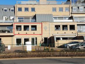 Appartement met 3 slpk. en 2 terrassen, gelegen in Zolder, dichtbij het centrum met zijn winkels, openbaar vervoer, scholen...<br /> <br /> Indeling: