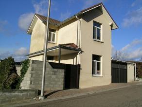 Gezellige gerenoveerde woning voorzien van alle comfort.<br /> <br /> gelijkvloers: living, geïnstalleerde keuken, eetkamer, badkamer, terras.<br