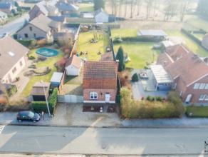 In het hartje van Neeroeteren kan u deze gezellige gezinswoning terugvinden gebouwd op een grondoppervlakte van 782 m².<br /> <br /> +++SUPERVOOR