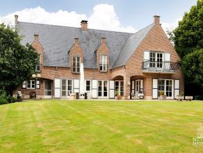 Luxueus afgewerkt landhuis met prachtige tuin, buitenzwembad en dubbele inpandige garage op wandelafstand van het mooie centrum van Maaseik. GELIJKVLO