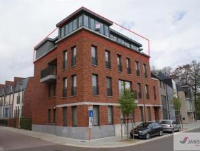 Dit prachtige penthouse met een oppervlakte van 129m² bevindt zich op een boogschut van Hasselt centrum aan de blauwe boulevard. Allerlei buurtwi