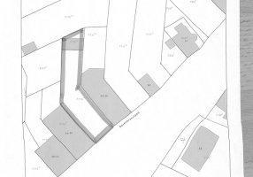 Rozenkranslaan 32, Genk Nabij het centrum. Het perceel ligt in de verdichtingszone en dus is het mogelijk om appartementen te realiseren. Het gelijkvl