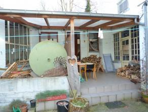 Goed gelegen bedrijfsruimte/kantoorgebouw in groene omgeving met een opp. van 107 m².Gelegen naast campus KUL te Heverlee. Gemeenschappelkijke pa
