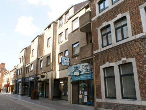 Appartement met 1 slaapkamer in het stadscentrum van Sint-Truiden, vlakbij de Grote Markt en op wandelafstand van het station.Het appartement bestaat