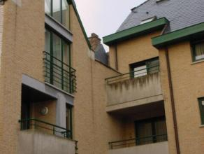 Gemeubelde studio met 1 slaapkamer en mezzanine gelegen in het centrum van Sint-Truiden, vlakbij de Grote Markt en op wandelafstand van het station.De