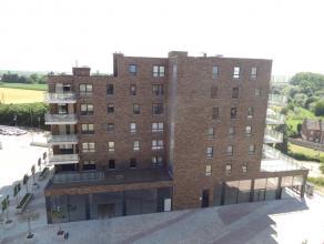 Appartement met 2 slaapkamers op een boogscheut van het centrum en van het station van Sint-Truiden. Wonen op de Kleine Markt in Sint-Truiden, op een