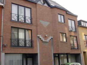 Mooi appartement met 1 slaapkamer en terras in het stadscentrum van Sint-Truiden en op wandelafstand van de Grote Markt.Het appartement bestaat uit ha