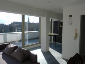 Prachtig appartement met 1 slaapkamer op wandelafstand van de Grote Markt te Sint-Truiden.Het appartement bestaat uit living,keuken,1 slaapkamer ,badk