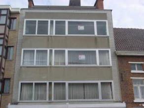 Appartement met 2 slaapkamers in het stadscentrum van Sint-Truiden en op wandelafstand van de Grote Markt.Het appartement bestaat uit hall, living, ke