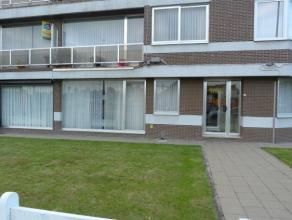 Gelijkvloersappartement met 2 slaapkamers en autostaanplaats gelegen aan de stadsrand van St Truiden .Het appartement bestaat uit living, keuken,2 sla