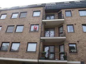 Mooi appartement met 2 slaapkamers, terras en autostaanplaats in het stadscentrum van Sint-Truiden, op wandelafstand van de Grote Markt.Het mooie appa