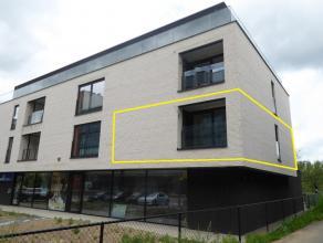 Ruim nieuwbouw-appartement met 3 slaapkamers, ruim terras en garage met berging vlakbij het centrum en station van Sint-Truiden. Het appartement besta