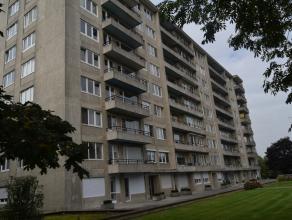 Goedgelegen appartement nabij het centrum van Landen, in residentie 't Groenhof.<br /> Beschikt over nieuwe pvc ramen met dubbel beglazing.<br /> Onde