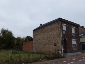 Instapklare eengezinswoning te Borlo. Volledig gerenoveerd in 2007 en 2017, perfect onderhouden en alle technieken vernieuwd . Op de gelijkvloers vind