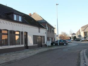 Cijnshofstraat 2 - 3920 Lommel<br /> <br /> Gerenoveerde rijwoning met 3 slaapkamers<br /> <br /> Deze instapklare woning heeft volgende indeling;<br