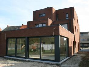 KONINGSTRAAT - LOMMEL<br /> <br /> Luxe nieuwbouwappartement met groot terras en tuin.<br /> Het appartement is rustig gelegen en toch midden in het c