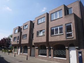 Opbrengsteigendom met 6 appartementen, gelegen in het centrum van Lommel. Netto-rendement van 3,5% - 6 appartementen met 2 slaapkamers - alle appartem