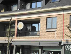 Mooi appartement met 2 slaapkamers en terras, gelegen in hartje Lommel.Gerenoveerd :-vloeren (met uitz. van de hal)- ramen voorzijde (K0.9)- accumulat
