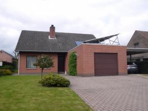 Rustig gelegen woning met 3 slaapkamers, veranda en inpandige garage.- Zonnepanelen- Verwarming wordt overgeschakeld op aardgas met nieuwe CV-ketel en