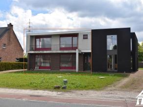 Af te werken, moderne halfopen woning te Overpelt Lindel - perceeloppervlakte: +/- 703m² - bewoonbare oppervlakte: 137,25m² - 4 ruime slaapk