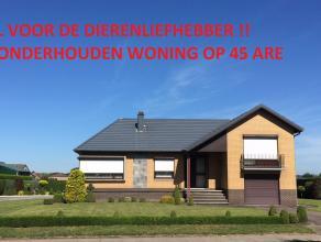 Goed onderhouden ruime woning (3-4 slk) op mooi perceel van ca 45 are (35 m straatbreedte)<br />  (deels woongebied, achterliggend weiland in agrarisc