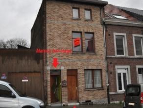 NOUVEAU PRIX - Grande maison en bon état avec la possibilité d'un appartement indépendant, l'appartement se compose d'un living,