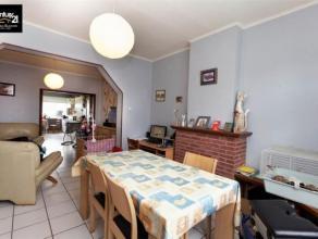 Herstal (La Préalle) Venez découvrir cette spacieuse maison deux façades située dans un quartier calme. Cette maison b&eac