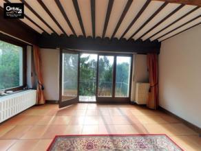 CHENEE: Dans une propriété verdoyante, au calme cette maison de caractère n'attend plus que vous! comprenant 4 grandes chambres,