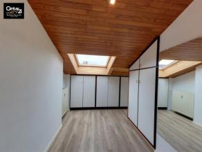LIEGE: Proche de la gare des Guillemins, appartement  (+ charges communes 60) 1 chambre, séjour, cuisine, salle de bain. A VOIR Visite virtuell