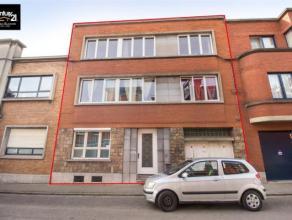 HERSTAL : Dans une rue agréable et calme proche du centre, cet immeuble vous propose 3 logements en excellent état, loués &agrave