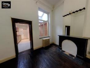 LIEGE: Appartement 1 chambre, dressing, salle de douche, cuisine équipée, séjour, proche du centre ville, gare des Guillemins. Ch