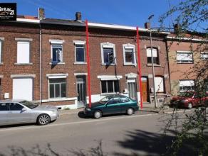 LIEGE : Proche du Golf de Bernalmont, sur les hauteurs de Liège, agréable maison 4 chambres avec cour et double garage. Le bien n&eacute