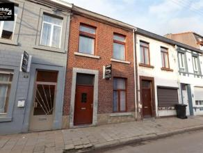 Seraing : Située dans une rue calme charmante maison 2 chambres, living, cuisine, salle de douche, grenier aménageable et cave. A ne pas