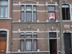 Offre àpd 179.000 euro - Grande maison proche de toutes commodités. Rez: hall, grand séjour salon / salle à manger, cuisin
