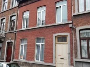 Offre àpd 179.000 euro - Immeuble de 7 kots situé dans le centre de Liège, proche de nombreuses écoles supérieures.