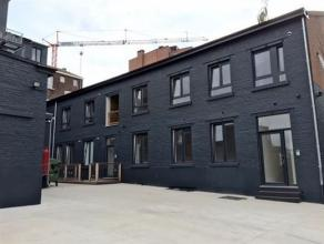Au c?ur de Waremme, cet appartement basse énergie rénové en 2016 est situé au rez-de-chaussée arrière d'une